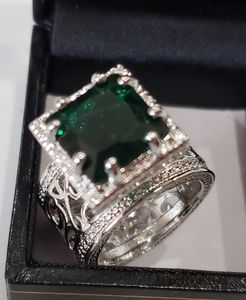 Beautiful statement Ring Huge green Stone